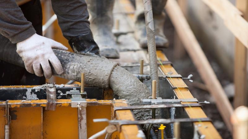 未経験者必見!コンクリート打設後の仕上げの重要性